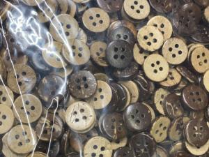 Кокосови копчета за ризи